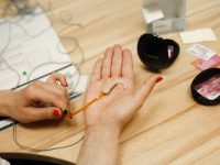 Как настроить слуховой аппарат самостоятельно?